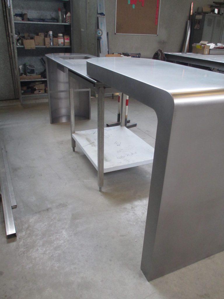 habillage bar cuisine table bar cuisine table bar haute cuisine pas cher table bar haute table. Black Bedroom Furniture Sets. Home Design Ideas