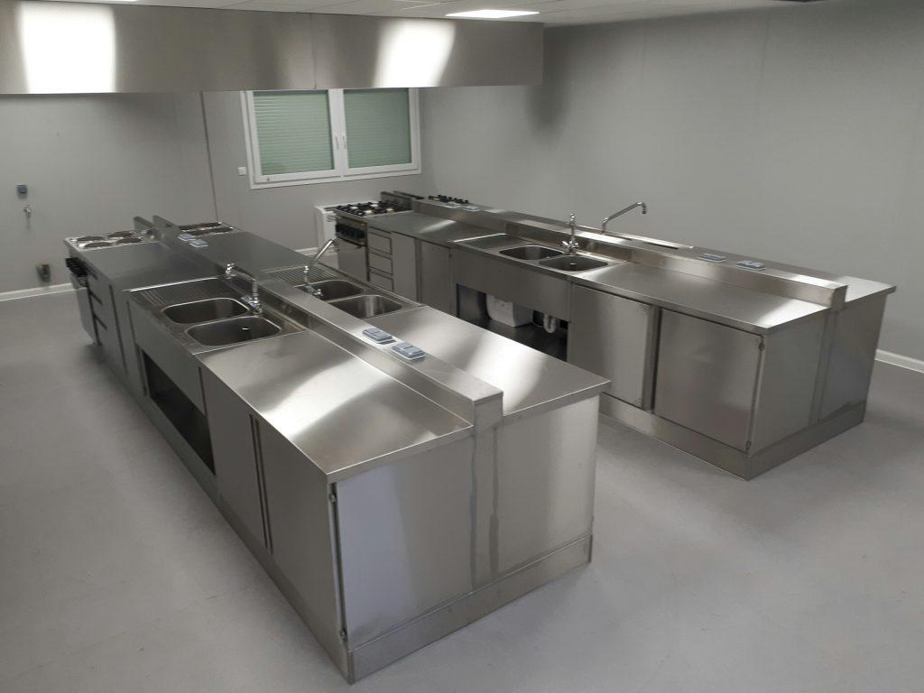 Mobilier dans la cuisine csd inox - Cuisine en inox ...